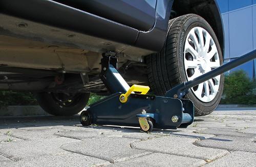 Rangierwagenheber an einem Ford