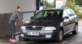 Auto per Hand selber waschen