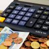 Geld Münzen Taschenrechner Geldscheine Münzgeld