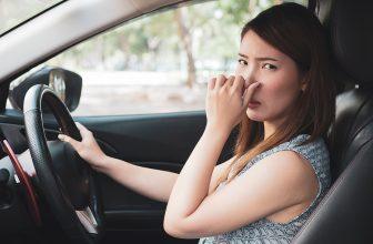 Schlechter Geruch im Auto