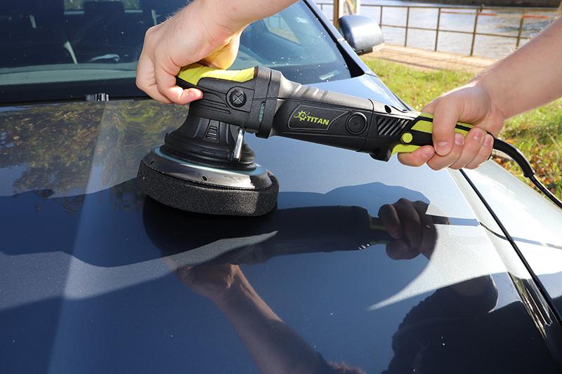 Excenter Poliermaschine im Test auf Skoda Auto