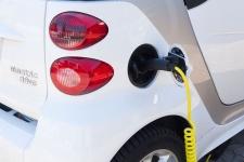 Alternative Antriebe und Autobatterien: Schön langsam wird's spacig!