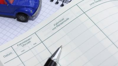 Fahrtenbuch vorschriftsmäßig führen: Dann klappt es auch mit dem Finanzamt