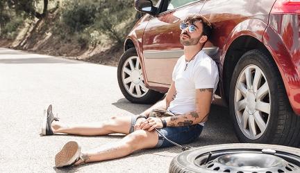 Platter Reifen – was tun bei einer Reifenpanne?